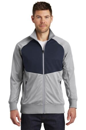 NF0A3SEW the north face tech full-zip fleece jacket